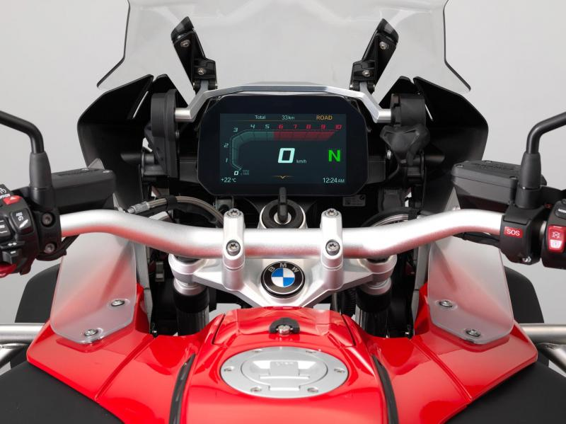 Interphone R147 frissítés BMW Connectivity TFT multimédiás rendszerhez
